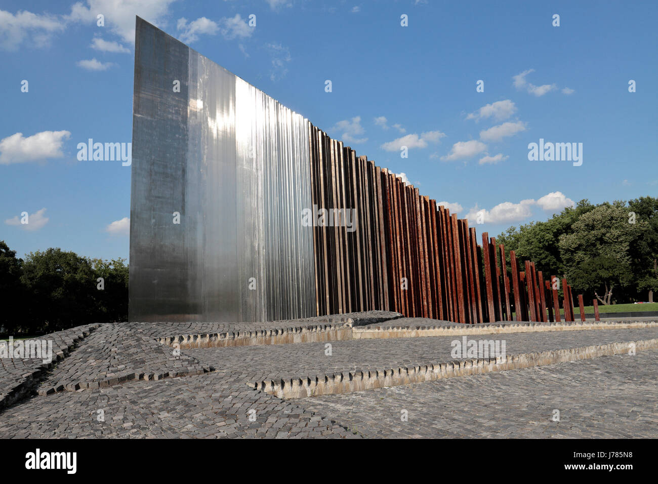 Memorial to the 1956 Hungarian Revolution and War of Independence, Budapest, Hungary. - Stock Image