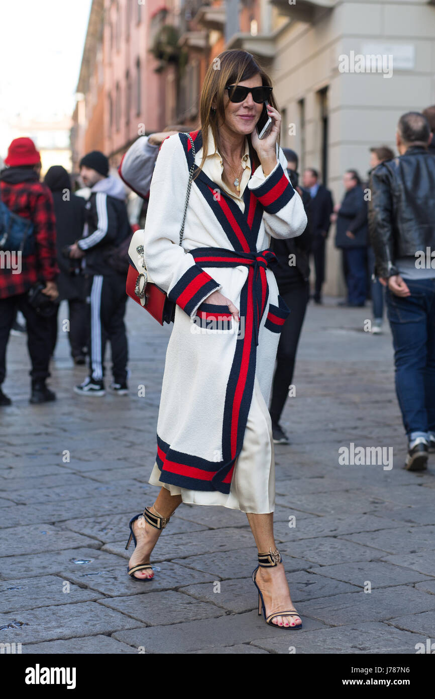 Anna Dello Russo on the streets of Milan during the Milan Fashion Week Fall/Winter 2017 - Stock Image