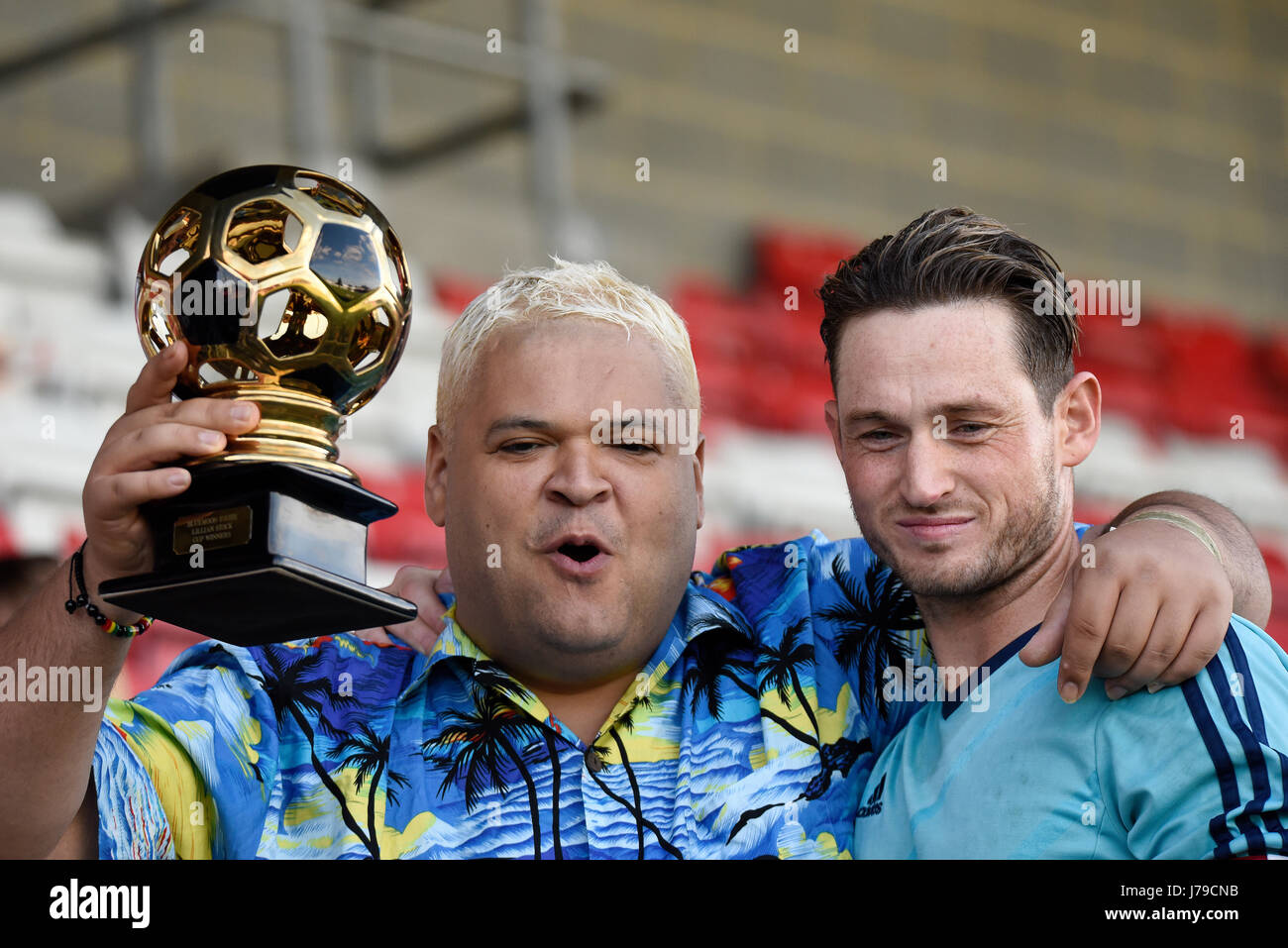 heavy d real name colin newell storage hunters big brother and stock photo alamy https www alamy com stock photo heavy d real name colin newell storage hunters big brother and danny 142193111 html
