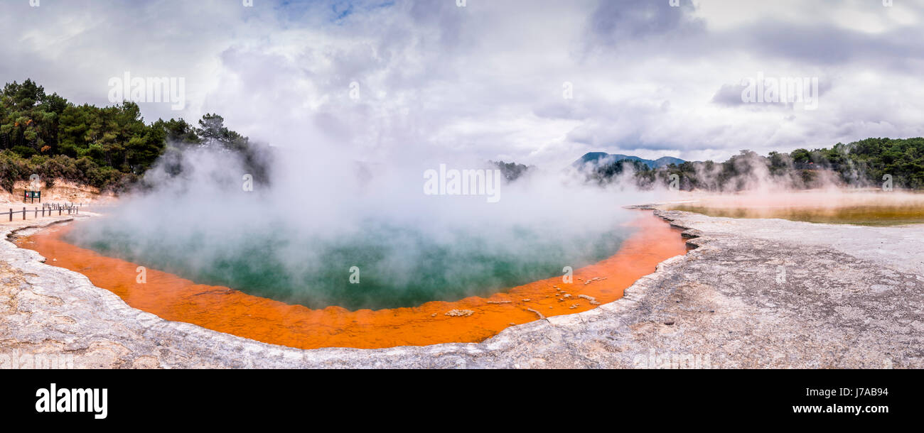 New Zealand, Rotorua, Wai-O-Tapu Thermal Wonderland, Champagne Pool - Stock Image