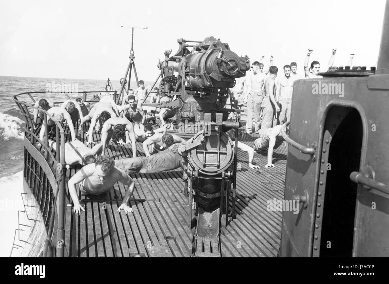 U.S. Marine Raiders exercise on the deck of USS Nautilus, 1942. - Stock Image