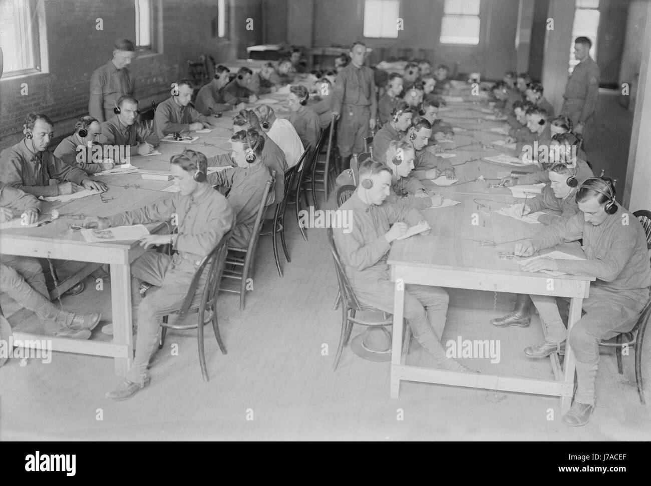 Members of the U.S. Army Signal Corps in telegraph training during World War I. - Stock Image