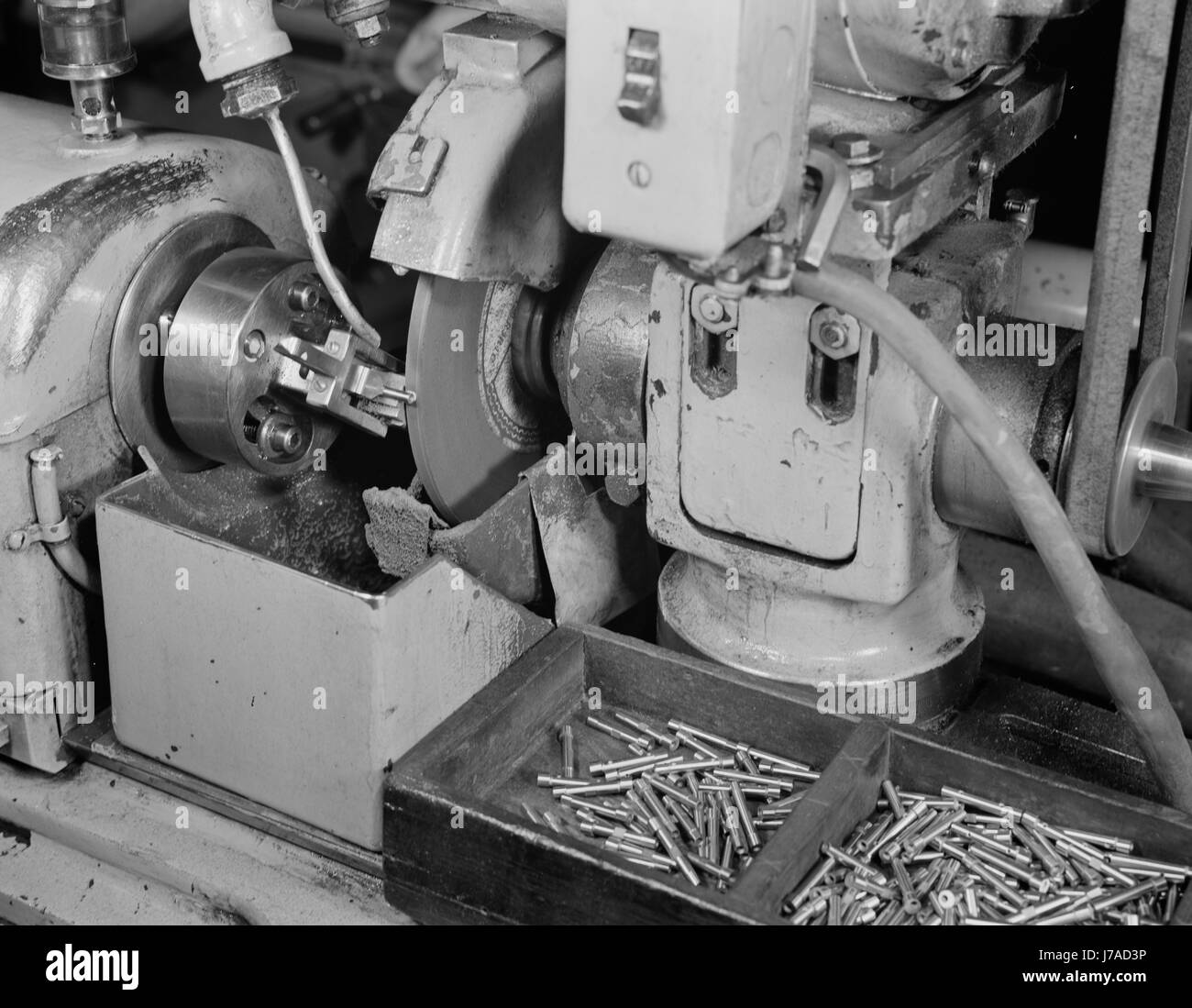 A Norton grinder converted to grind spring collets to aid the war production, 1942. - Stock Image