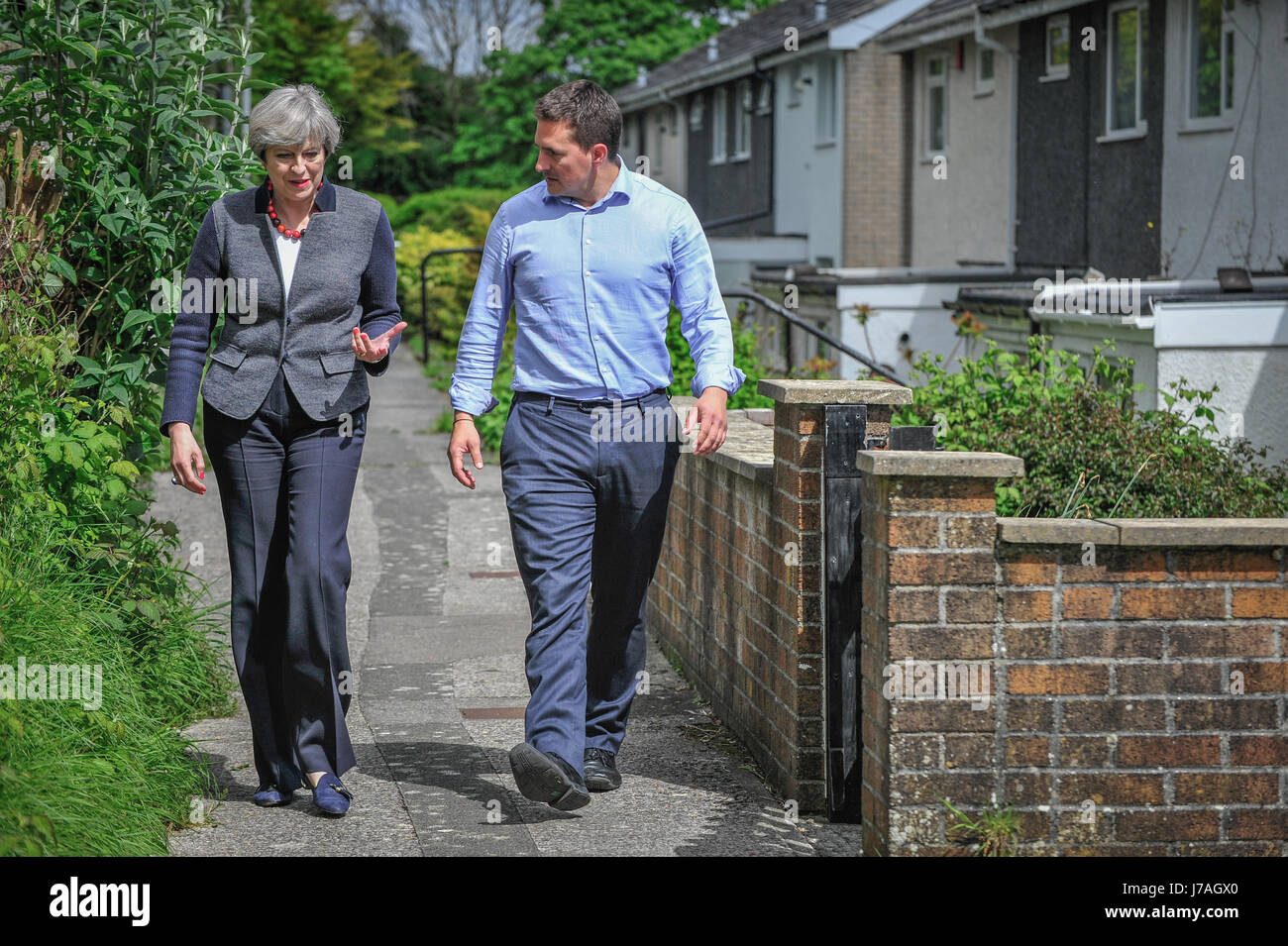 Copyrighted Image by Paul Slater/PSI - PM Theresa May WITH Johnny Mercer MP - Stock Image