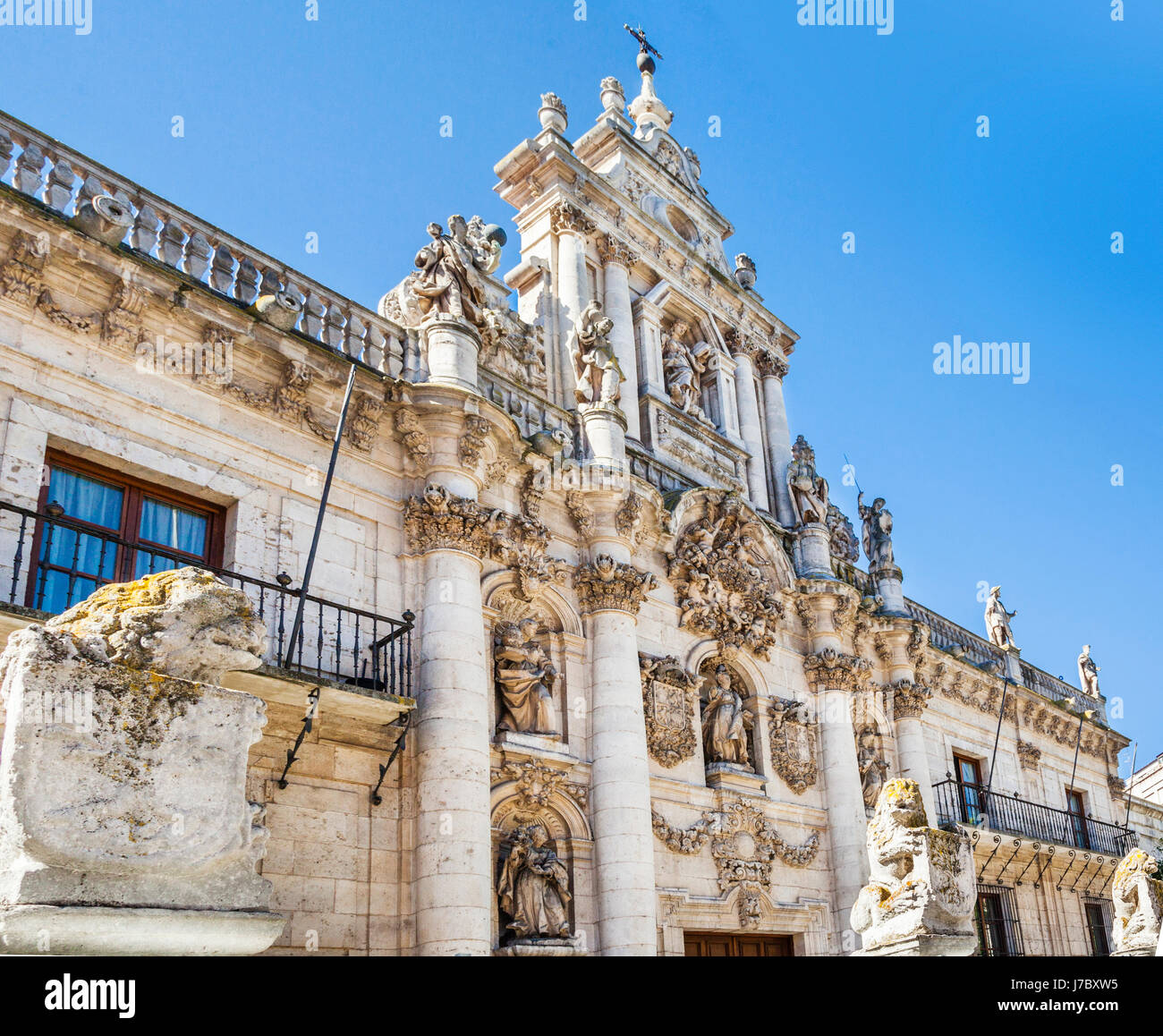 Spain, Castile and Leon, Baroque facade of the University of Valladolid, Faculty of Law, - Stock Image