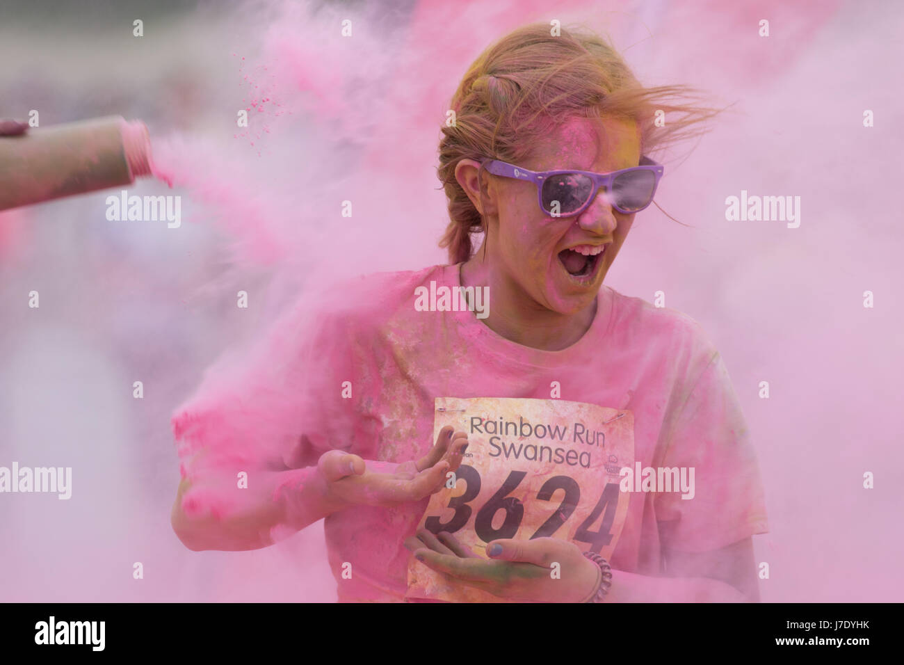 Ty Hafan Rainbow Run charity event at Swansea Beach, Wales, UK, 29th April, 2017. - Stock Image