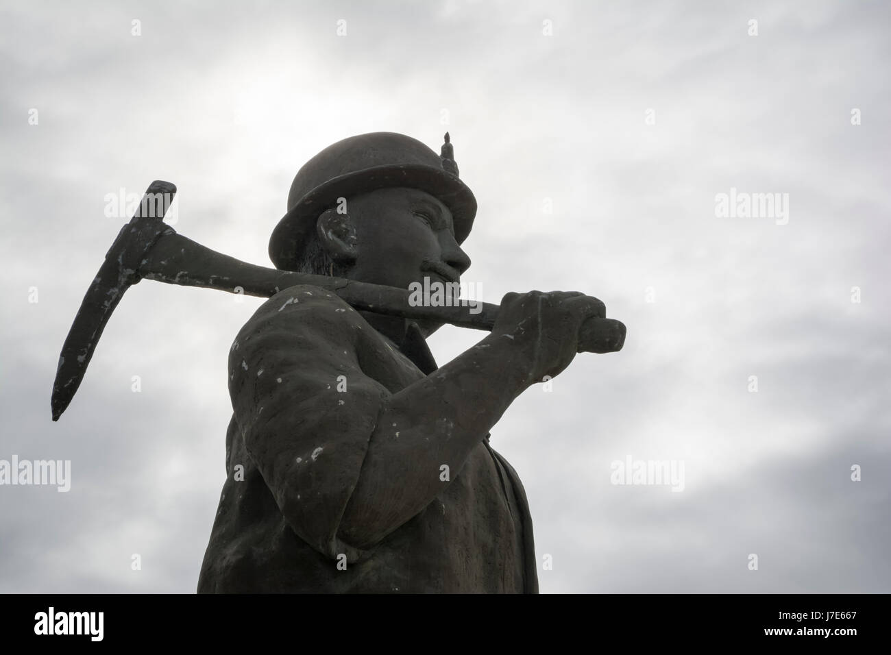 Featuring Map the Miner, also known as Map Kernow or the Son of Cornwall as it greets visitors to historic Kapunda, - Stock Image