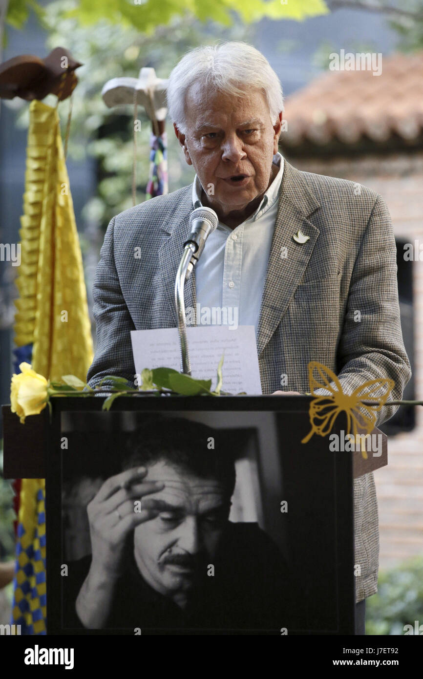 Former Spanish Prime Minister Felipe Gonzalez takes part at the reading of passages of the novel 'A Hundred - Stock Image