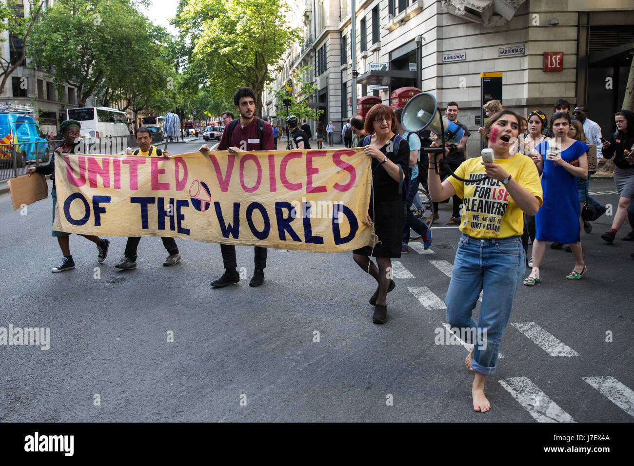 London, UK. 24th May, 2017. Cleaners at the London School of Economics (LSE) belonging to the United Voices of the - Stock Image