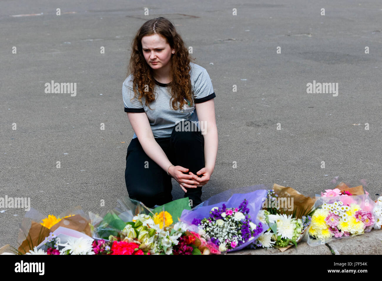 Glasgow, UK. 25th May, 2017. Billie Brennan, aged 18, from Port Glasgow was at George Square today to pay respects Stock Photo