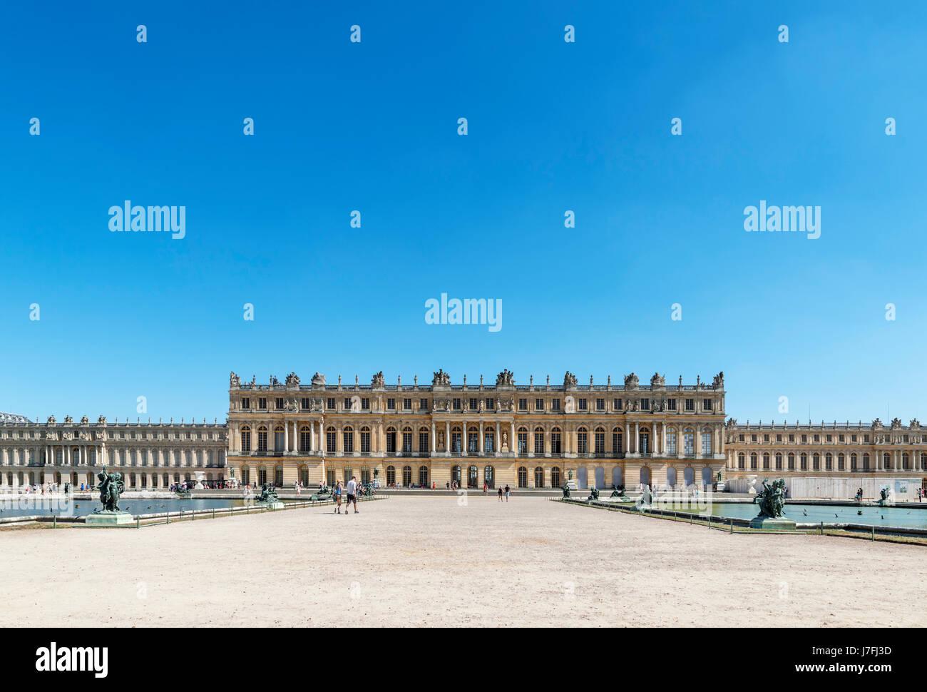 Rear view of the Chateau de Versailles (Palace of Versailles), near Paris, France - Stock Image
