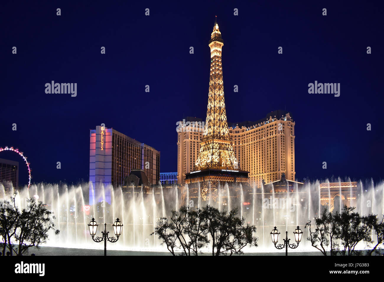 Las Vegas, APR 4: Night view of water dance in front of Paris and Bellagio Hotel and Casino on APR 4, 2017 at Las Stock Photo