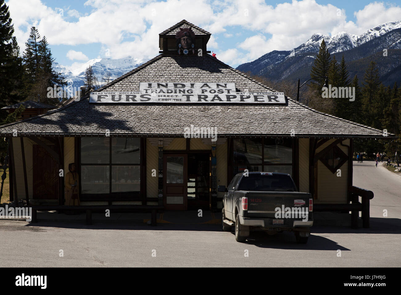 The Indian Trading Post in Banff, Canada. The store sells handicrafts and produce by First Nations peoples. - Stock Image