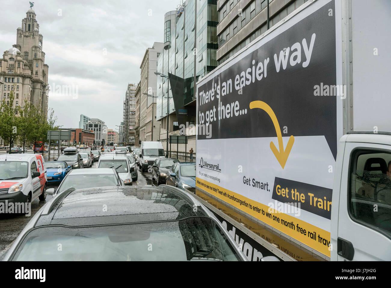 Traffic Advan Advertising vand. Liver building - Stock Image
