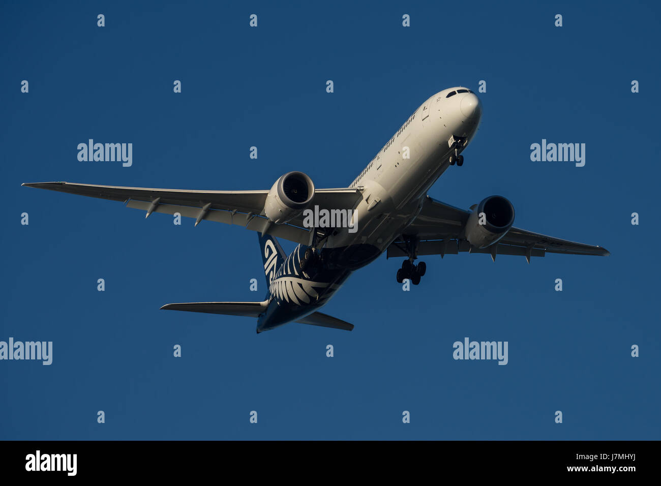 Air New Zealand Boeing 787 Dreamliner on Final approach to Sydney Airport on Tuesday 23 May 2017 - Stock Image