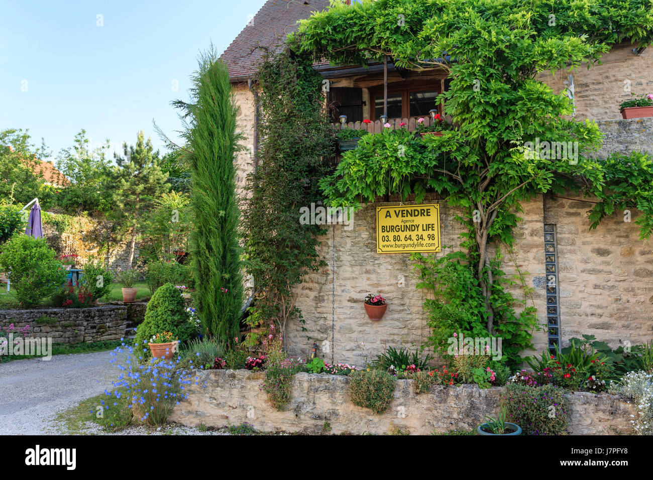 House for sale, France, Burgundy region, Cote d'Or, Chateauneuf en Auxois, or Chateauneuf, labelled Les Plus - Stock Image