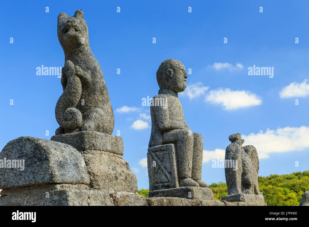 France, Creuse, Franseches, Masgot hamlet, sculptures by François Michaud of his kitchen garden - Stock Image