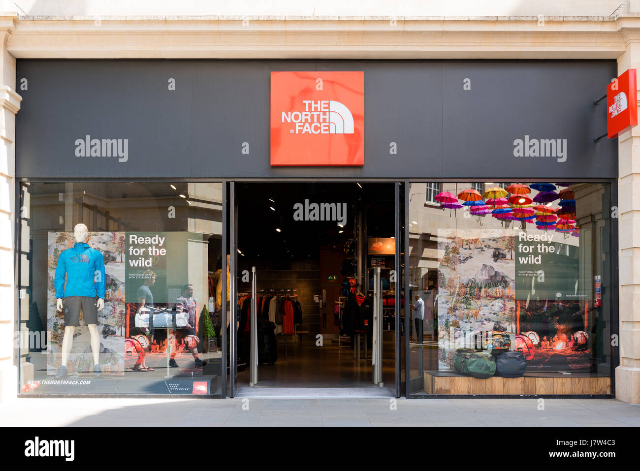 official photos 30fc5 1b266 North Face Store, UK Stock Photo: 142537811 - Alamy
