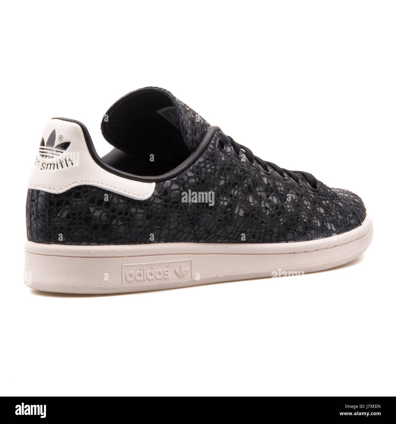ladies black stan smith trainers