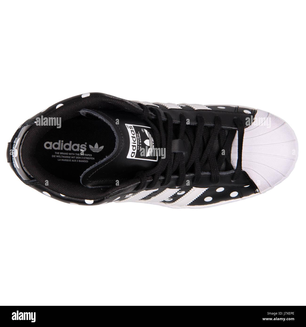 adidas superstar su w le donne nere con puntini bianchi.