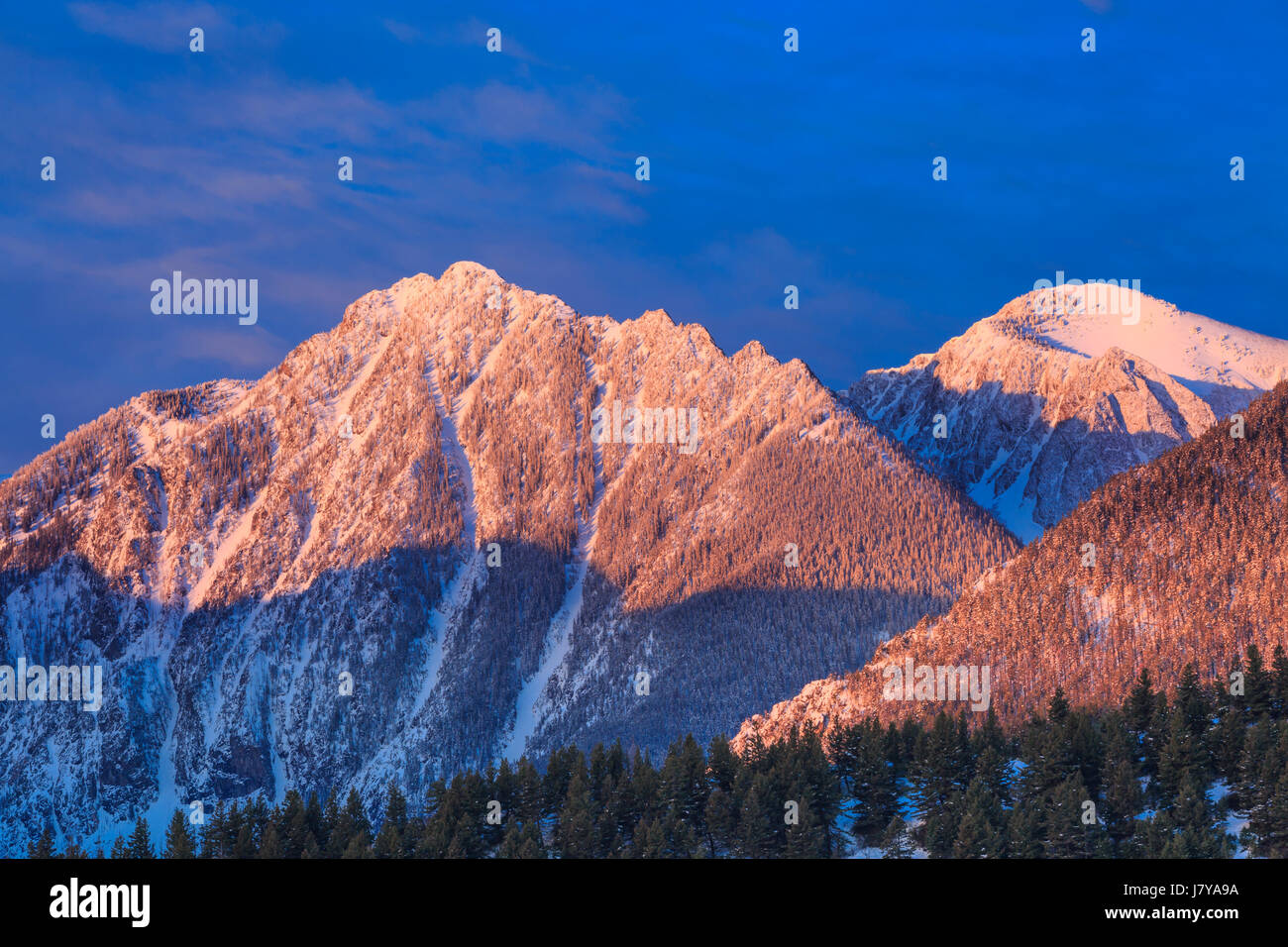 morning light on unnamed peaks in the absaroka range near livingston, montana - Stock Image