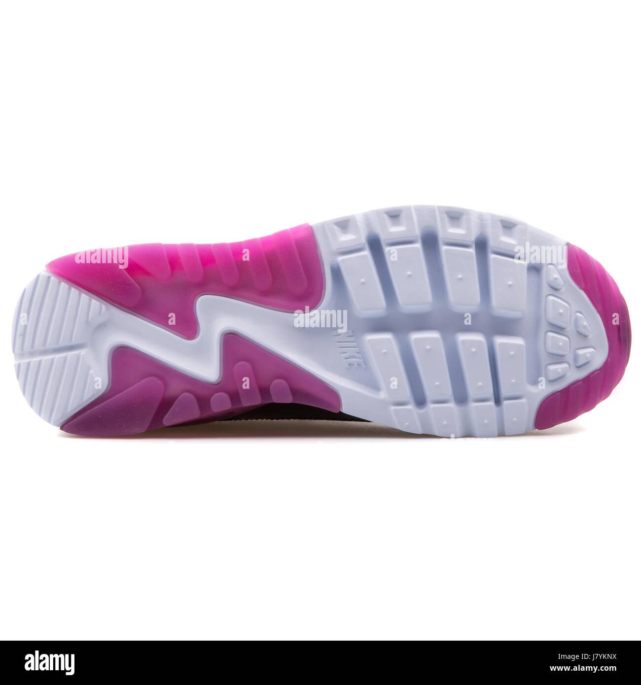 Nike W Air Max 90 Ultra Essential Women's Black and Purple