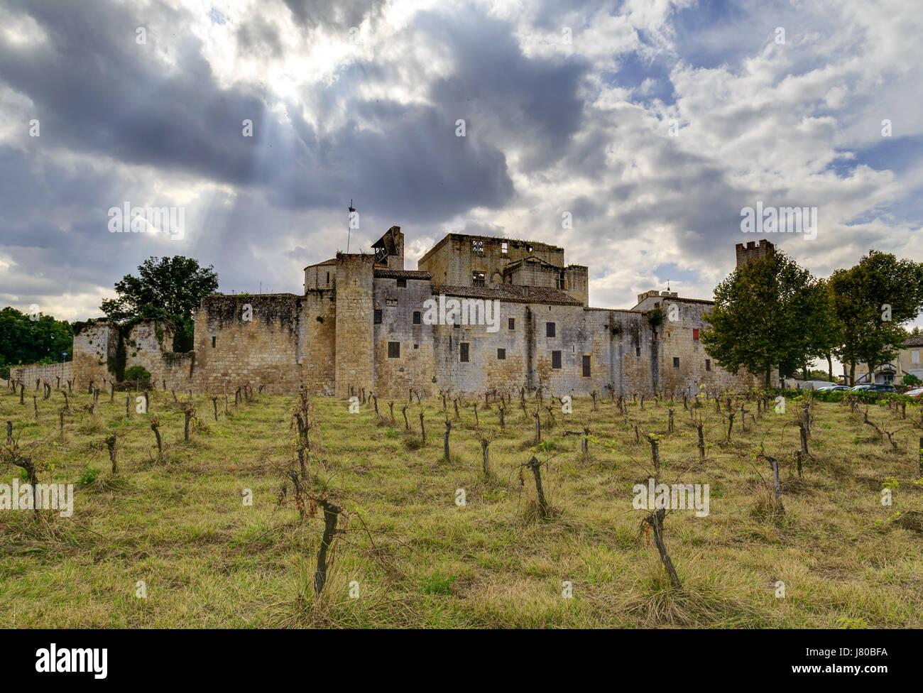 France, Gers,, Larressingle, labelled Les Plus Beaux Villages de France (The Most beautiful Villages of France) - Stock Image