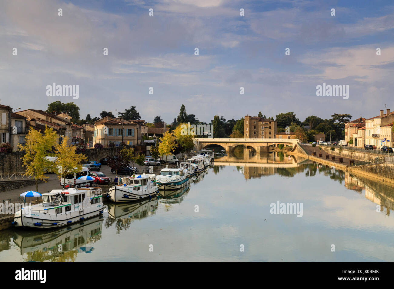 France, Gers, condom, on the way to Saint Jacques de Compostela, Condom port on the Baïse, far the Grands Moulins - Stock Image