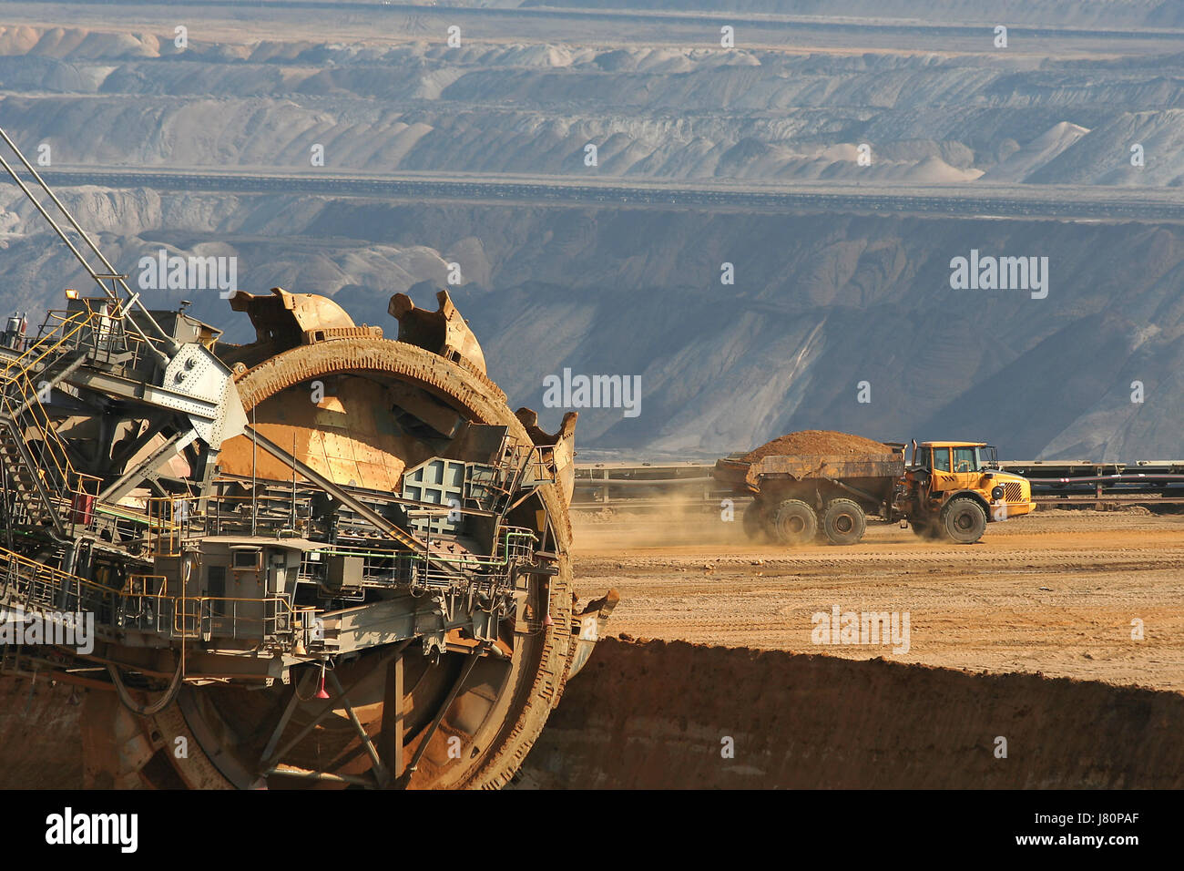 dredger coal surface mining raw material lignite paddle wheel carbon dioxide Stock Photo