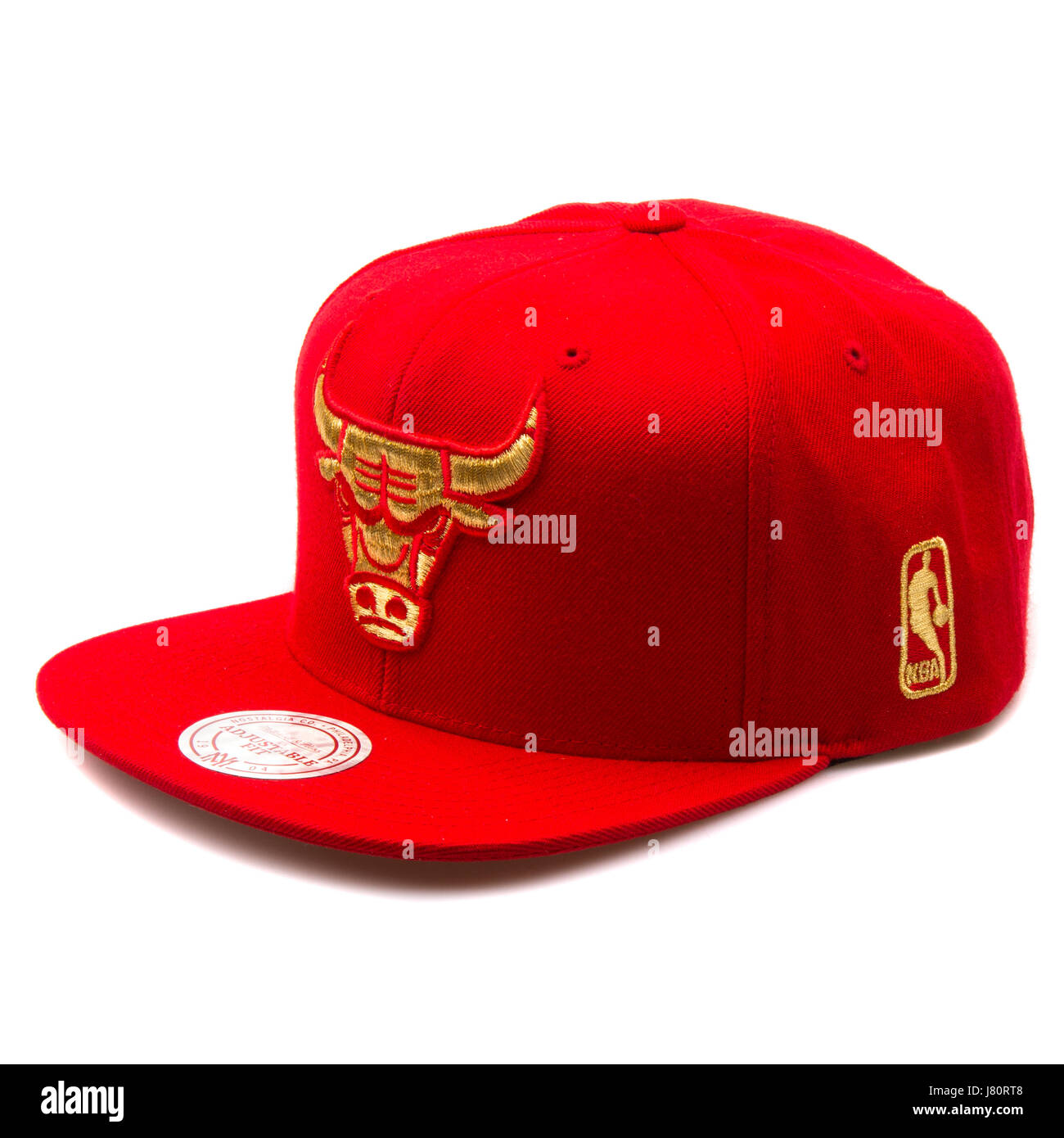b953a71a135 Mitchell   Ness Red and Gold Chicago Bulls Cap - Stock Image