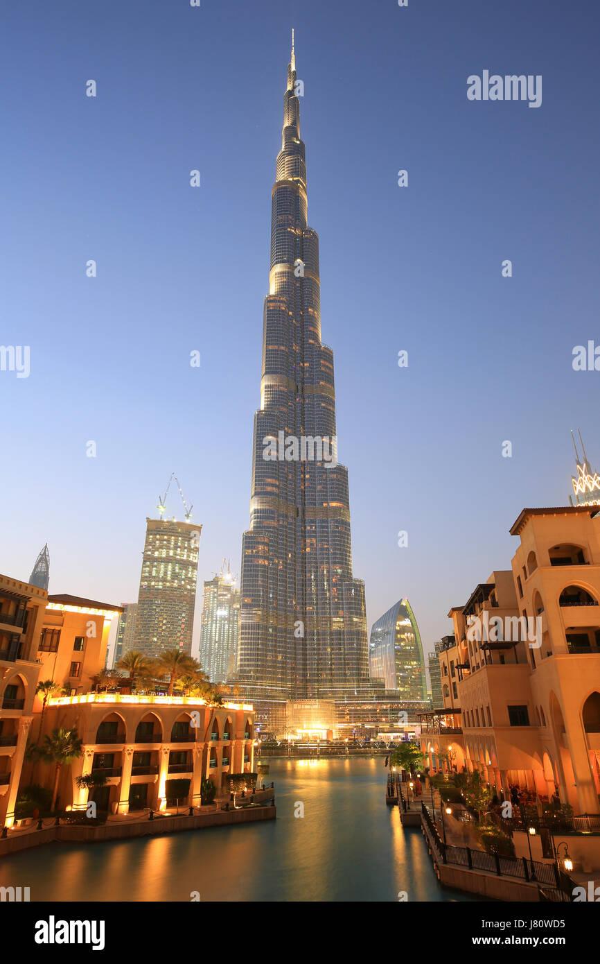 Dubai Burj Khalifa Downtown skyscraper night twilight blue hour UAE - Stock Image