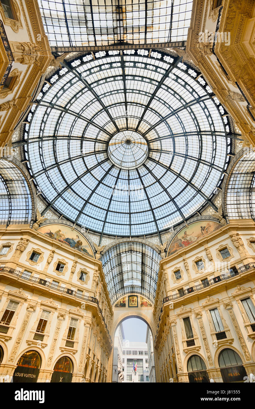 Italy, Lombardy, Milan. Galleria Vittorio Emanuele, Looking upwards towards the dome. - Stock Image