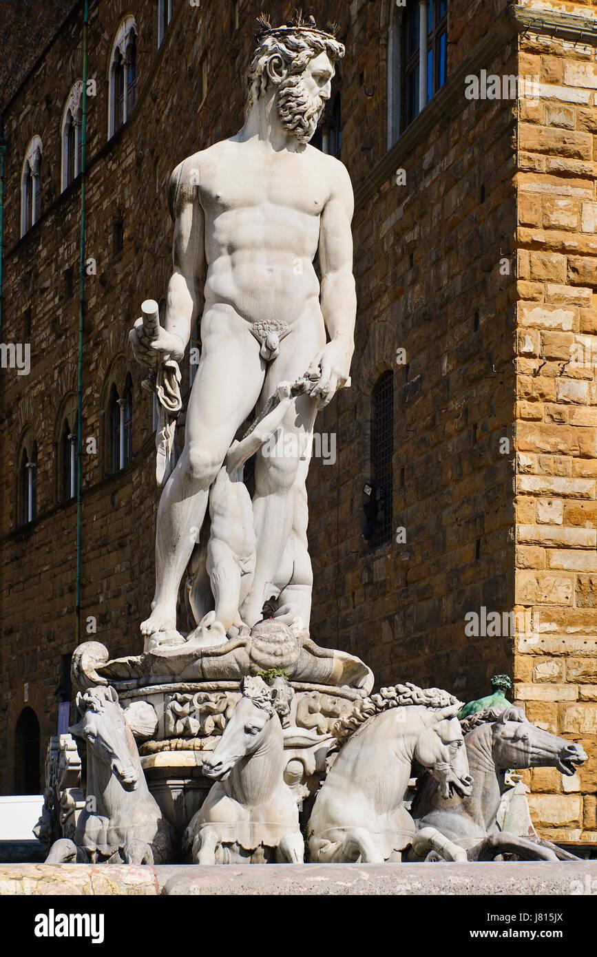 Italy, Tuscany, Florence, Piazza della Signoria, Fountain of Neptune. - Stock Image