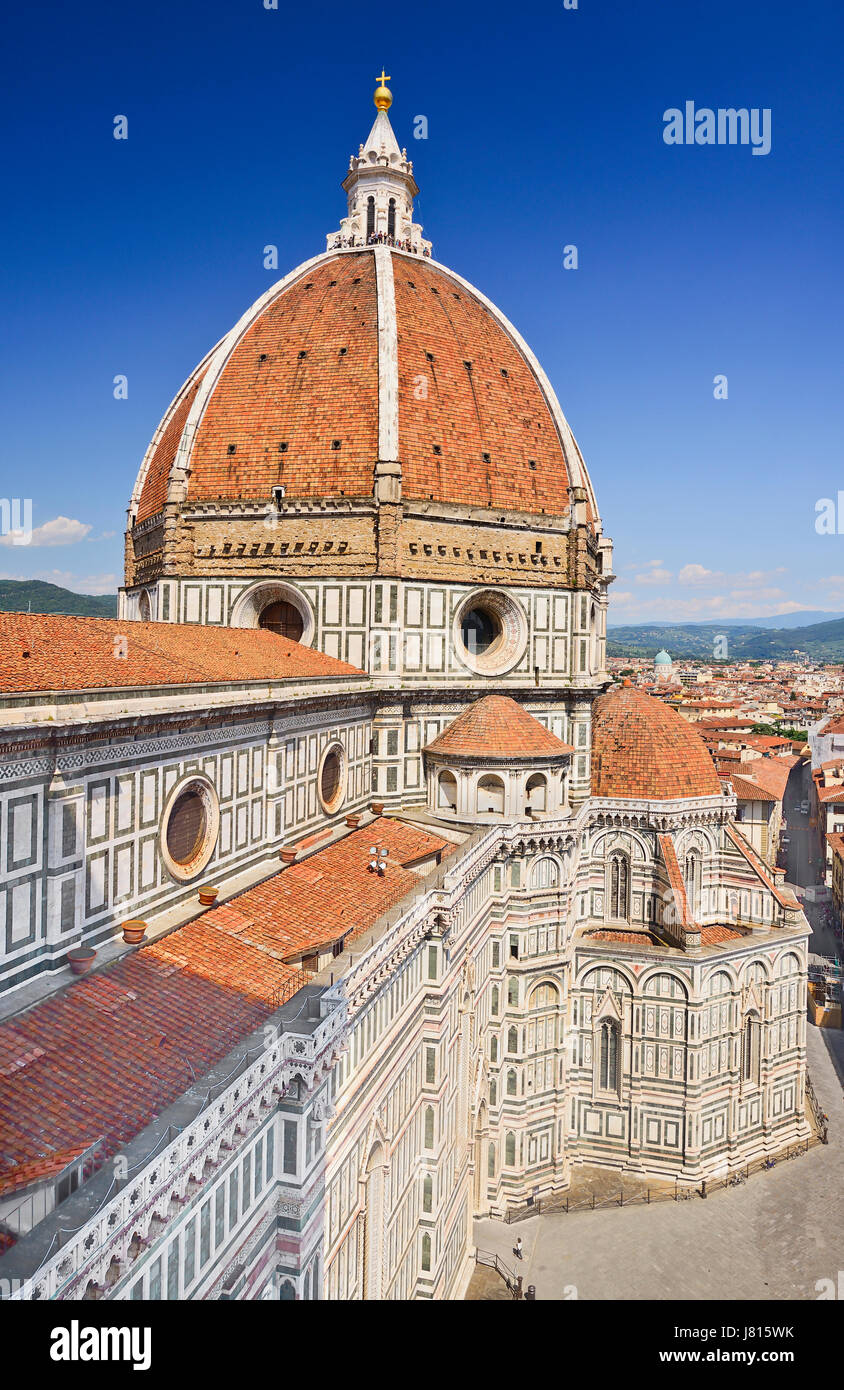 Italy, Tuscany, Florence, Duomo or Cathedral also known as Santa Maria del Fiorel, View of the dome from the ground - Stock Image