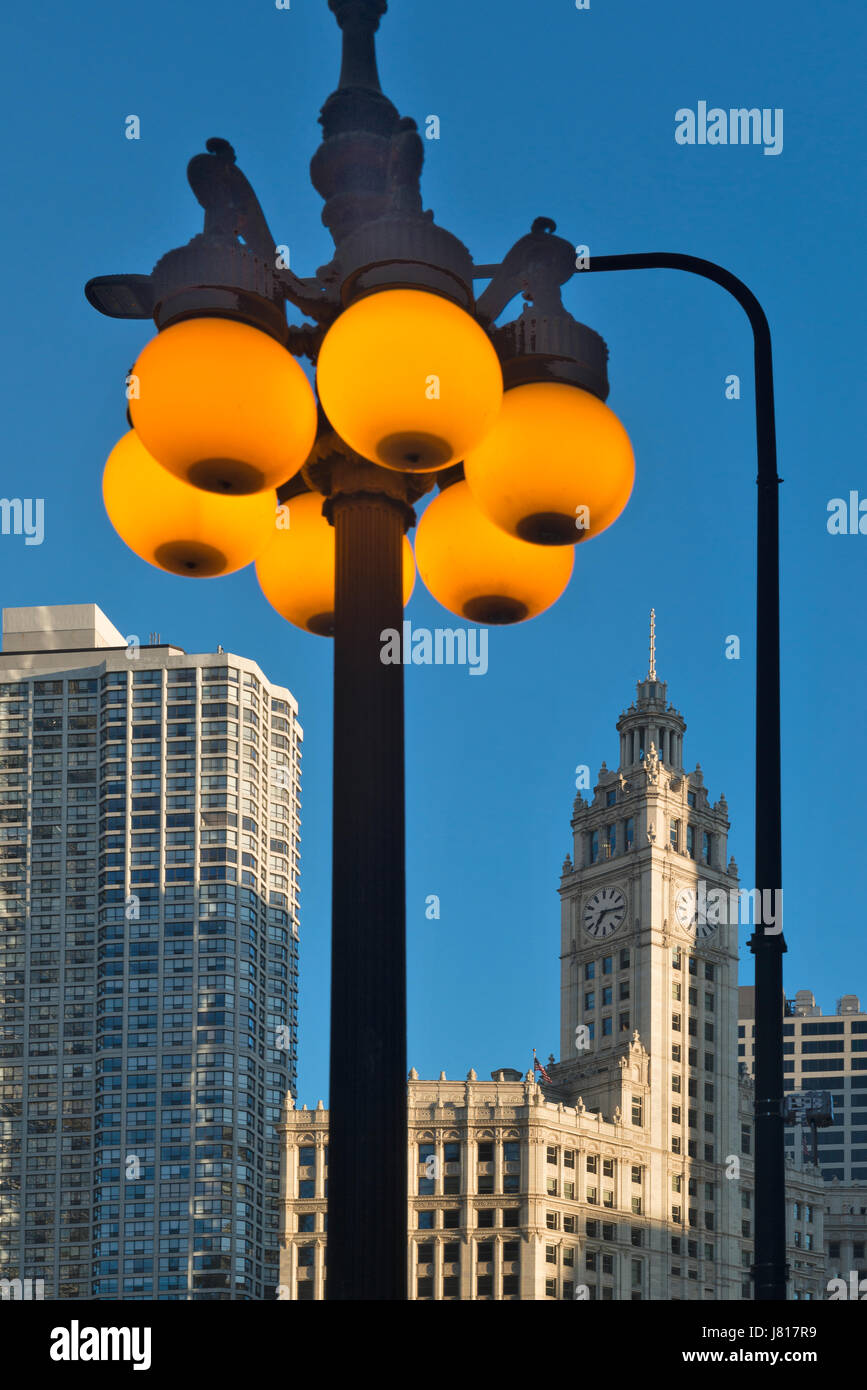 Early morning picture of Wrigley building downtown Chicago USA - Stock Image