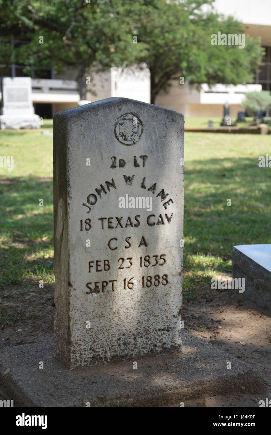 The headstone of John W Lane, former Confederate soldier and former Texas legislator at the Pioneer Park Cemetery - Stock Image