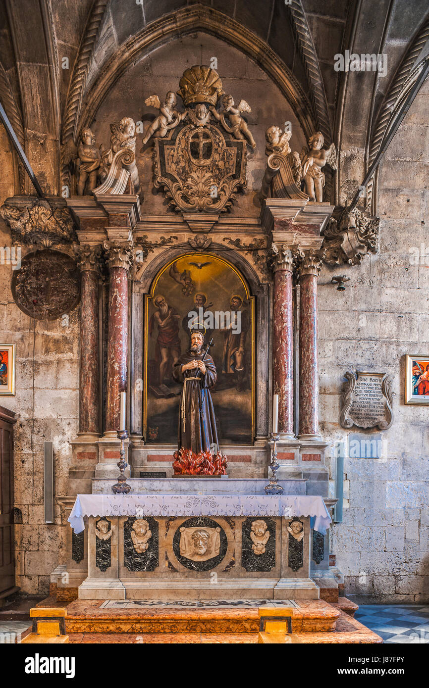 Croatia Dalmatia Sibenik The Cathedral of St. James –Neo-Baroque altar dedicated to St. Rocco, St. Jerome and Franciscan - Stock Image