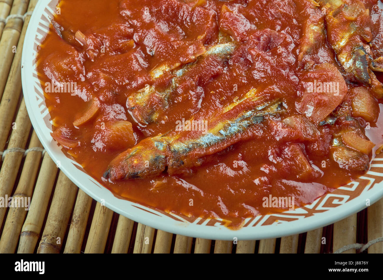 Nethili meen kulambu traditional fish curry recipe from tamil nethili meen kulambu traditional fish curry recipe from tamil naduchovy fish currytraditional south indian cuisine forumfinder Image collections
