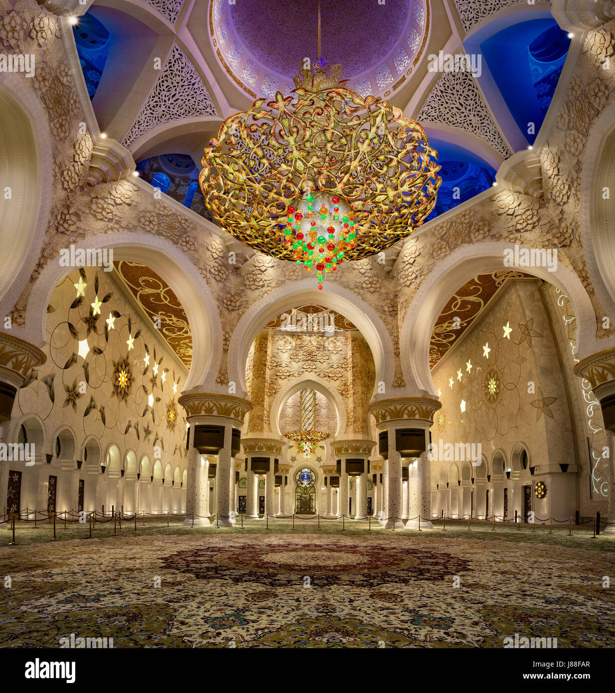 the Second Largest Chandelier in the world in Sheikh Zayed Mosque - Stock Image