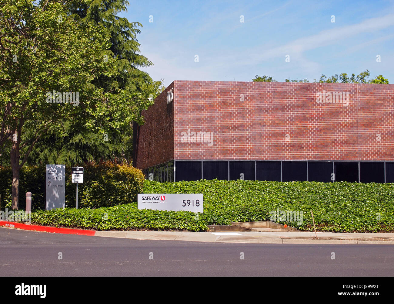 Safeway Corporate Headquarters, Pleasanton, California - Stock Image
