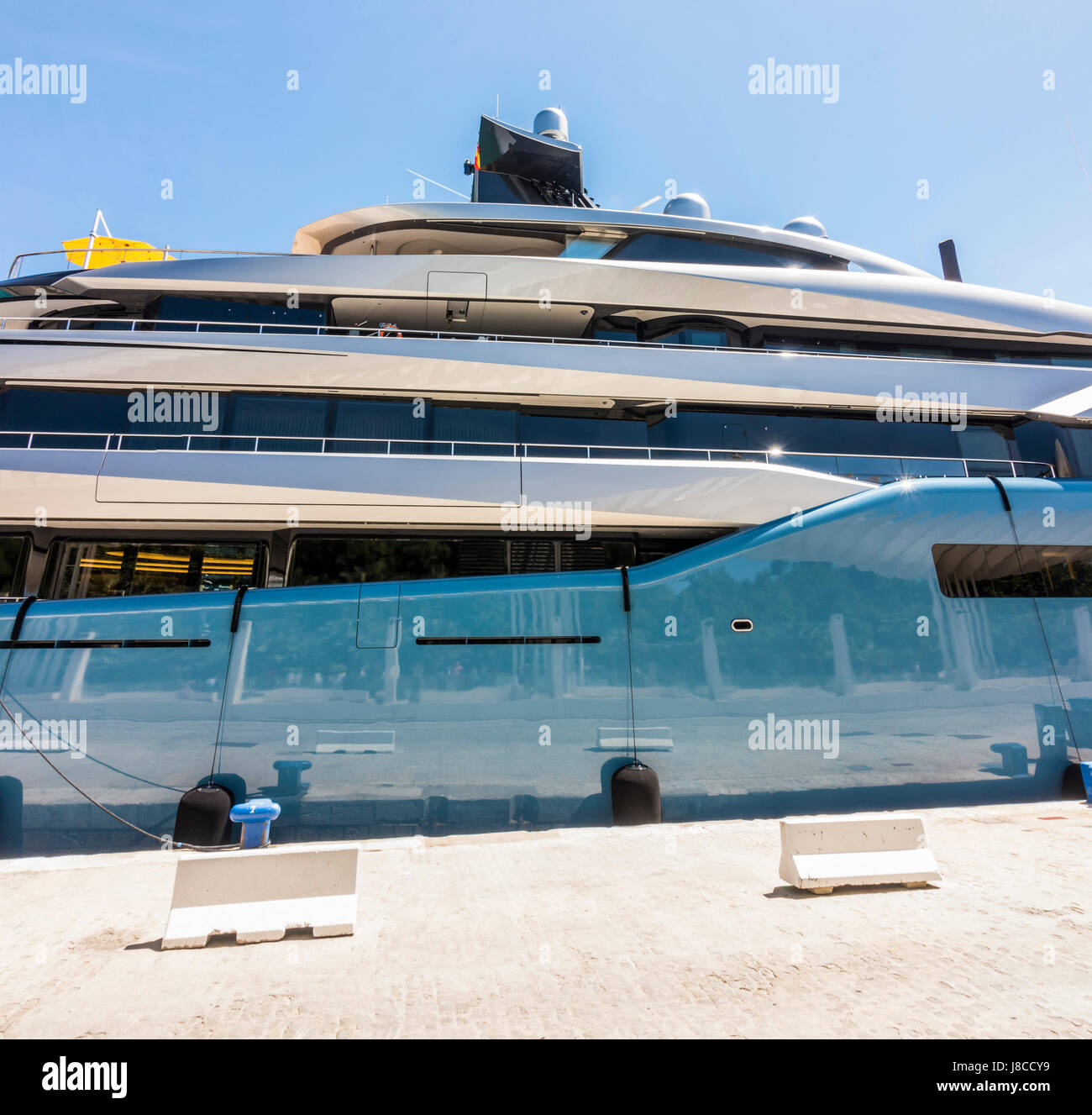 Aviva mega yacht, super yacht, yacht, yachts, owned by British billionaire businessman Joe Lewis, moored in the - Stock Image