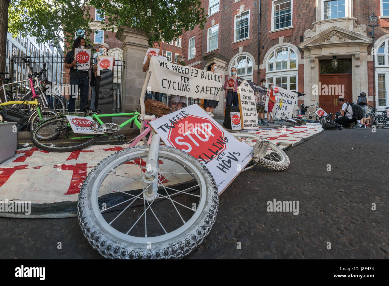 May 26, 2017 - London, UK - London UK. 26th May 2017. Stop Killing Cyclists protest vigil and die in outside the - Stock Image