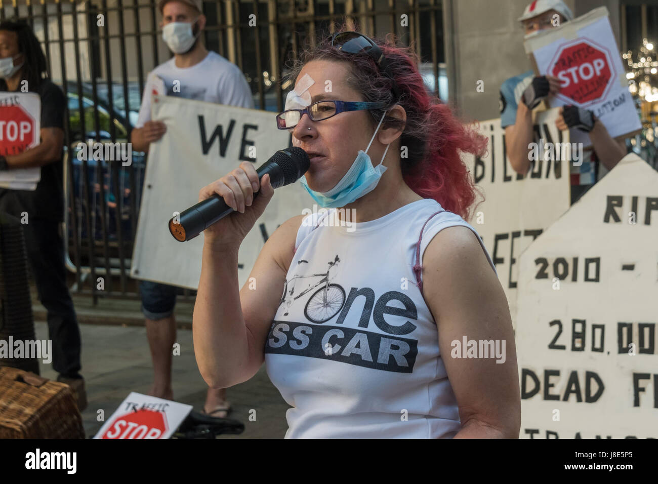 May 26, 2017 - London, UK - London UK. 26th May 2017. Nicola Branch calls for a slience to remember the cyclist - Stock Image