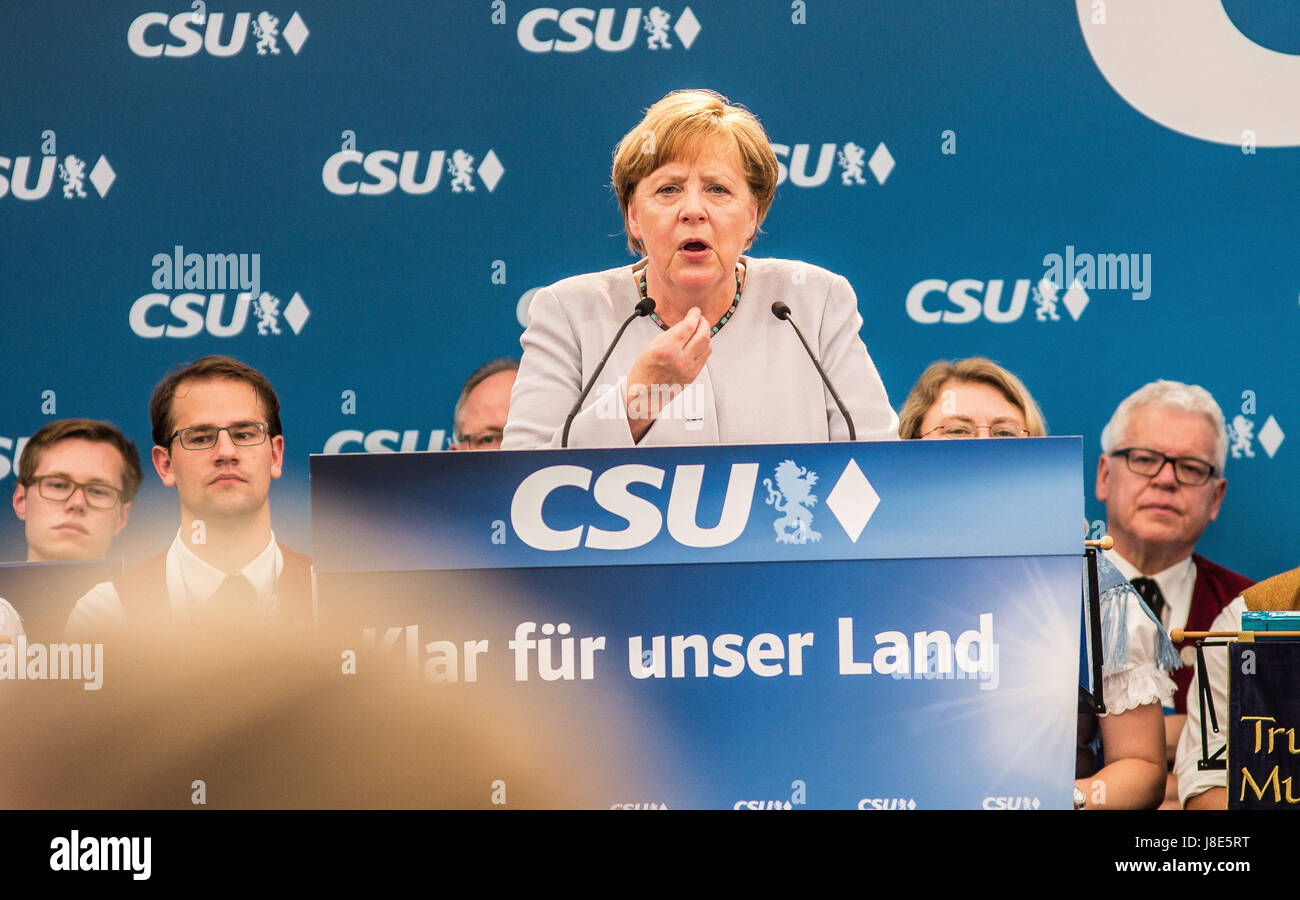 Munich, Germany. 28th May, 2017. The Bundeskanzlerin (Chancellor) of Germany Angela Merkel (CDU) visited a beer - Stock Image