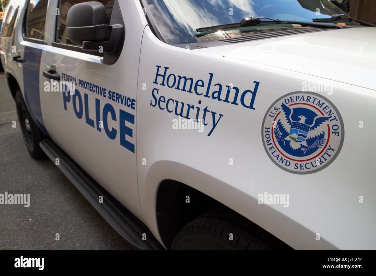 department of homeland security federal protective service vehicle with logo New York City USA - Stock Image