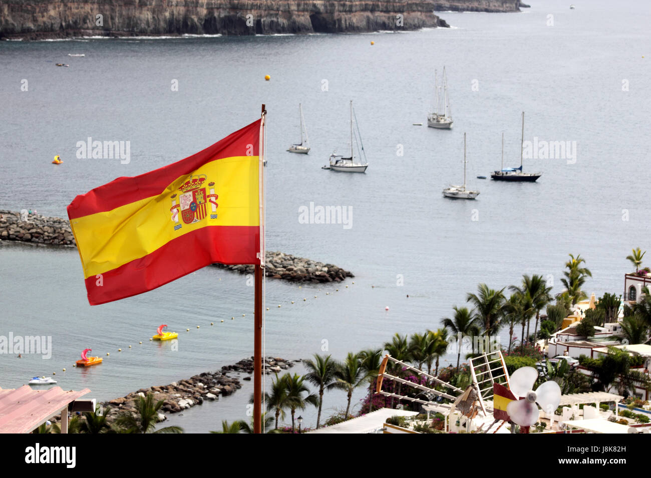 SPANISH COURTESY FLAG ENSIGN SAILING BOATING YACHTING CRUISING in SPAIN