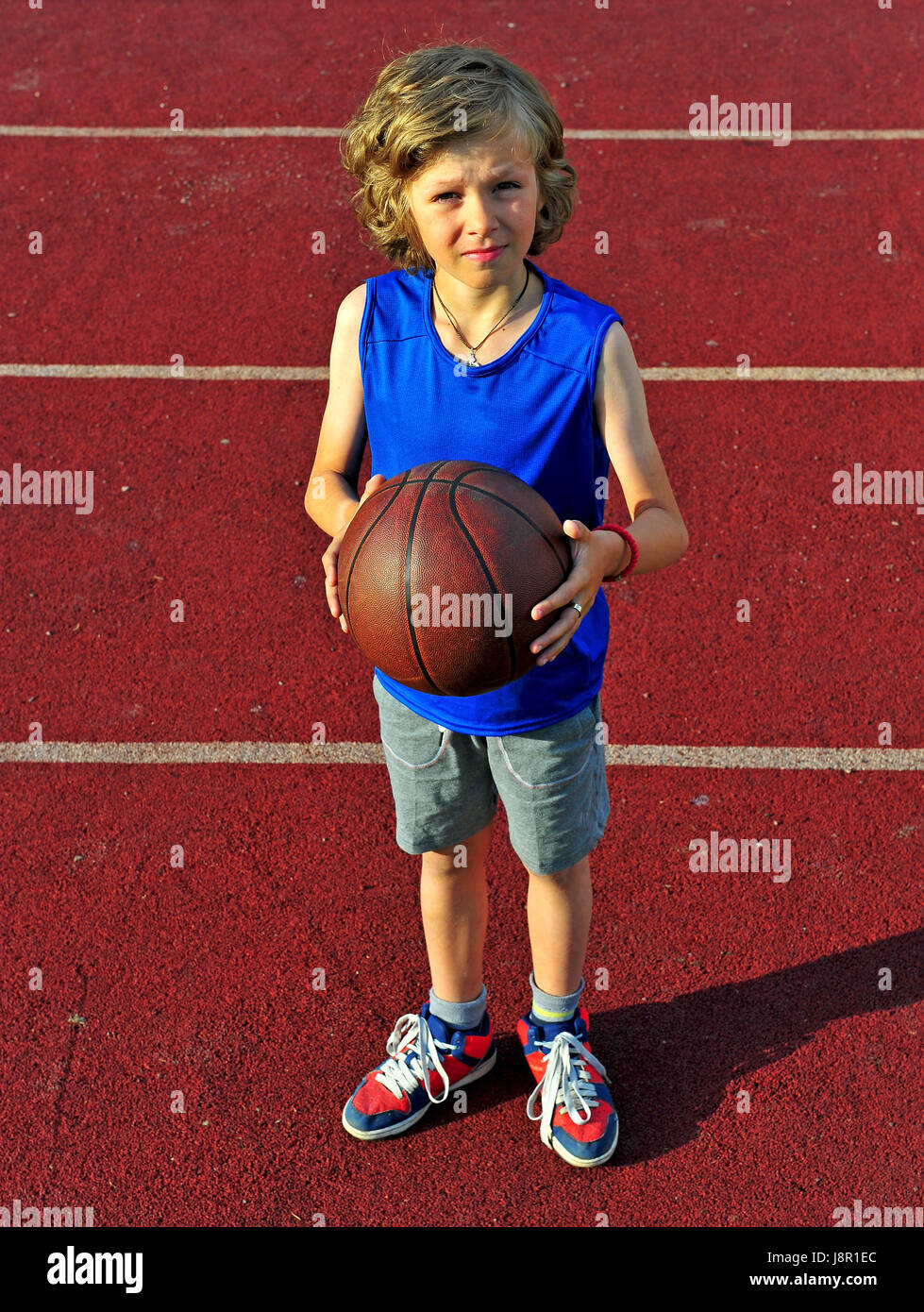 12def244b26 Little basketball player ready for a shot Stock Photo: 143106276 - Alamy