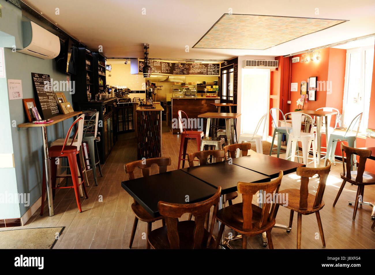 Cafe Creme, Cleguerec, Morbihan, Brittany. 23 August 2016. Copyright Warren James Palmer. www.wjpphoto.co.uk 0044 - Stock Image