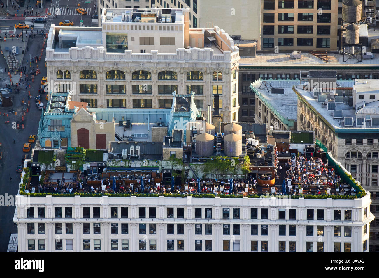 230 fifth rooftop bar on top of the victoria building downtown manhattan New York City USA - Stock Image