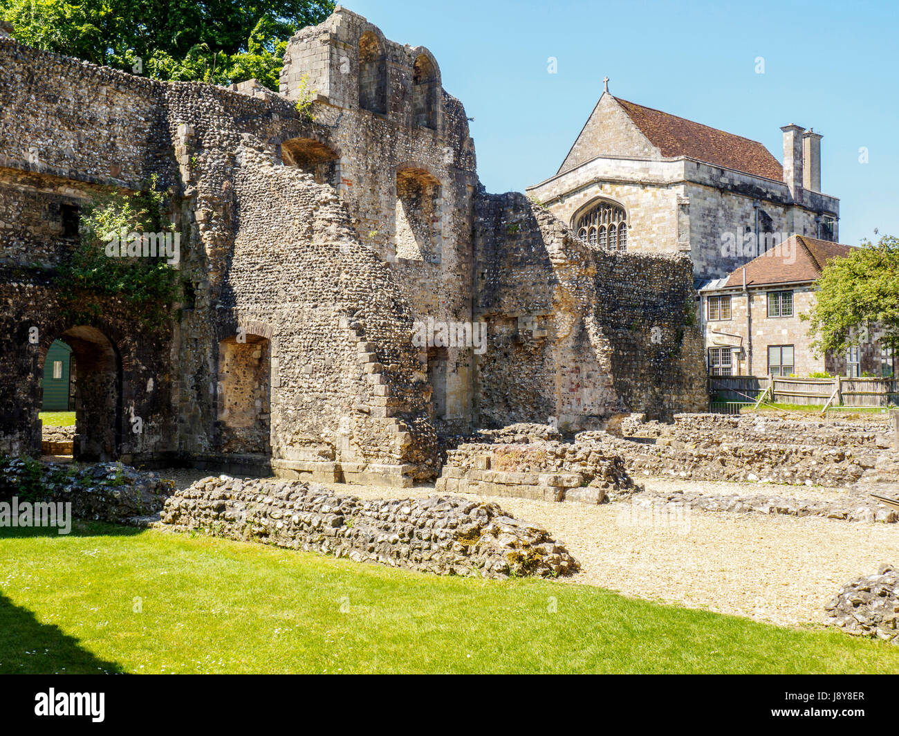"""Wolvesey Castle, also known as the """"Old Bishop's Palace"""", is a ruined castle in Winchester, Hampshire, England located Stock Photo"""